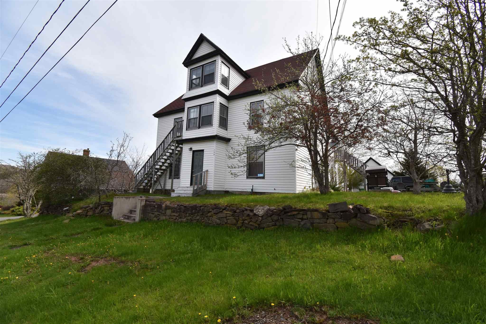 Main Photo: 208 KING STREET in Digby: 401-Digby County Multi-Family for sale (Annapolis Valley)  : MLS®# 202111479
