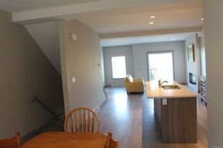 Photo 7: 118 687 Strandlund Ave in : La Langford Proper Row/Townhouse for sale (Langford)  : MLS®# 881826