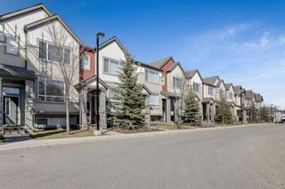 Main Photo: 51 COPPERPOND Close SE in Calgary: Copperfield Row/Townhouse for sale : MLS®# A1094437