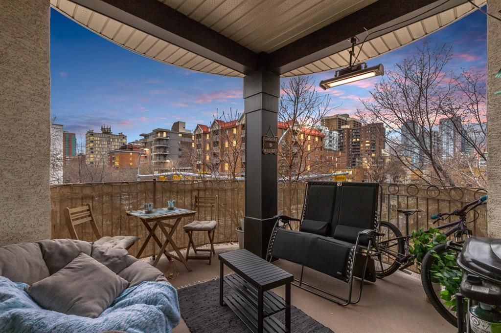 Main Photo: 213 527 15 Avenue SW in Calgary: Beltline Apartment for sale : MLS®# A1129676