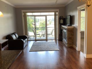 Photo 6: 402 2068 SANDALWOOD CRESCENT in Abbotsford: Central Abbotsford Condo for sale : MLS®# R2469396