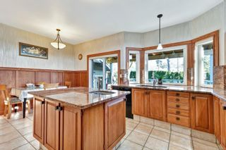 Photo 8: 3121 Wessex Close in : OB Henderson House for sale (Oak Bay)  : MLS®# 863827