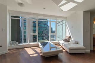 """Photo 11: 3107 1372 SEYMOUR Street in Vancouver: Downtown VW Condo for sale in """"THE MARK"""" (Vancouver West)  : MLS®# R2481345"""