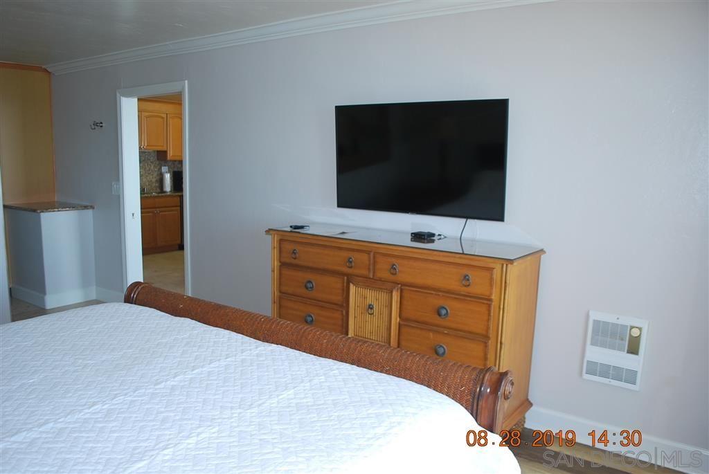 Photo 17: Photos: PACIFIC BEACH Condo for sale : 2 bedrooms : 4767 Ocean Blvd. #801 in San Diego