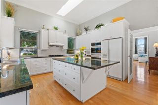 Photo 10: 2318 CHANTRELL PARK Drive in Surrey: Elgin Chantrell House for sale (South Surrey White Rock)  : MLS®# R2558616