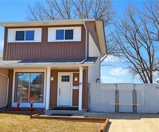 Photo 1: 41 Foxberry Bay in Winnipeg: Charleswood Residential for sale (1H)  : MLS®# 1908927