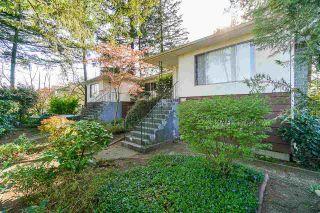 Photo 3: 3519 COAST MERIDIAN Road in Port Coquitlam: Glenwood PQ 1/2 Duplex for sale : MLS®# R2577045