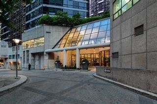 Photo 2: 813 1001 Bay Street in Toronto: Bay Street Corridor Condo for sale (Toronto C01)  : MLS®# C4706689