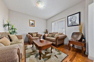 Photo 4: 984 Taradale Drive NE in Calgary: Taradale Detached for sale : MLS®# A1124450