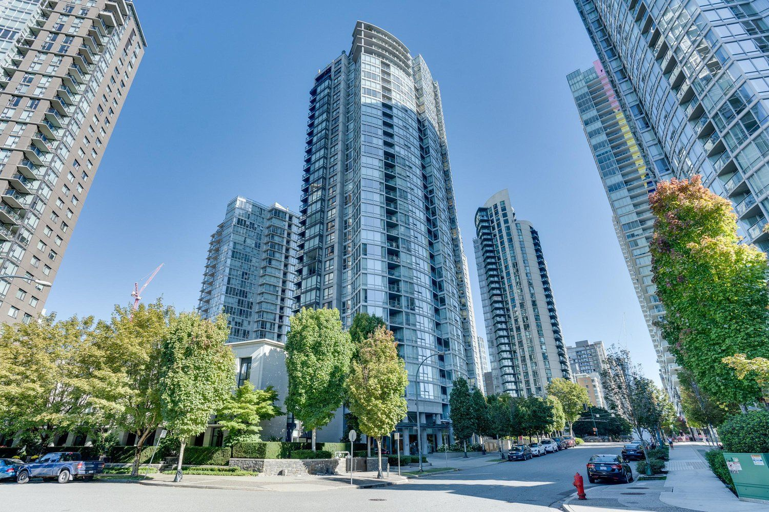 """Main Photo: 1903 1495 RICHARDS Street in Vancouver: Yaletown Condo for sale in """"Azura Two"""" (Vancouver West)  : MLS®# R2497124"""