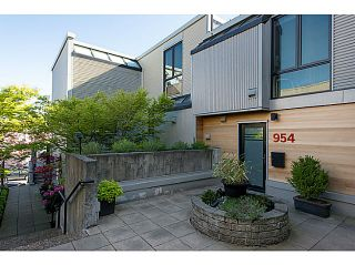 """Photo 2: 954 W 7TH Avenue in Vancouver: Fairview VW Townhouse for sale in """"Era"""" (Vancouver West)  : MLS®# V1003005"""