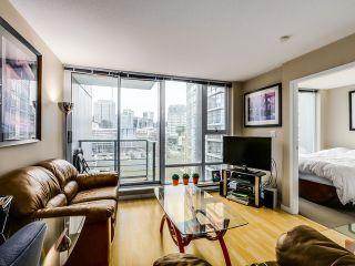 "Photo 4: 1209 131 REGIMENT Square in Vancouver: Downtown VW Condo for sale in ""SPECTRUM 3"" (Vancouver West)  : MLS®# R2029001"