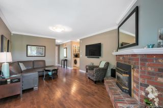 """Photo 4: 12379 SOUTHPARK Crescent in Surrey: Panorama Ridge House for sale in """"Boundary Park"""" : MLS®# R2306272"""