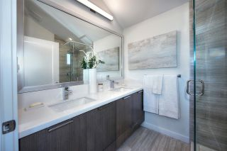 Photo 12: 5283 NANAIMO Street in Vancouver: Victoria VE Townhouse for sale (Vancouver East)  : MLS®# R2210902