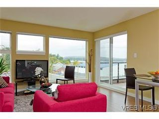 Photo 5: 103 1405 Esquimalt Rd in VICTORIA: Es Saxe Point Row/Townhouse for sale (Esquimalt)  : MLS®# 588177