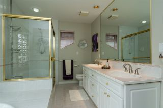 """Photo 13: 20976 43A Avenue in Langley: Brookswood Langley House for sale in """"Cedar Ridge"""" : MLS®# R2207293"""