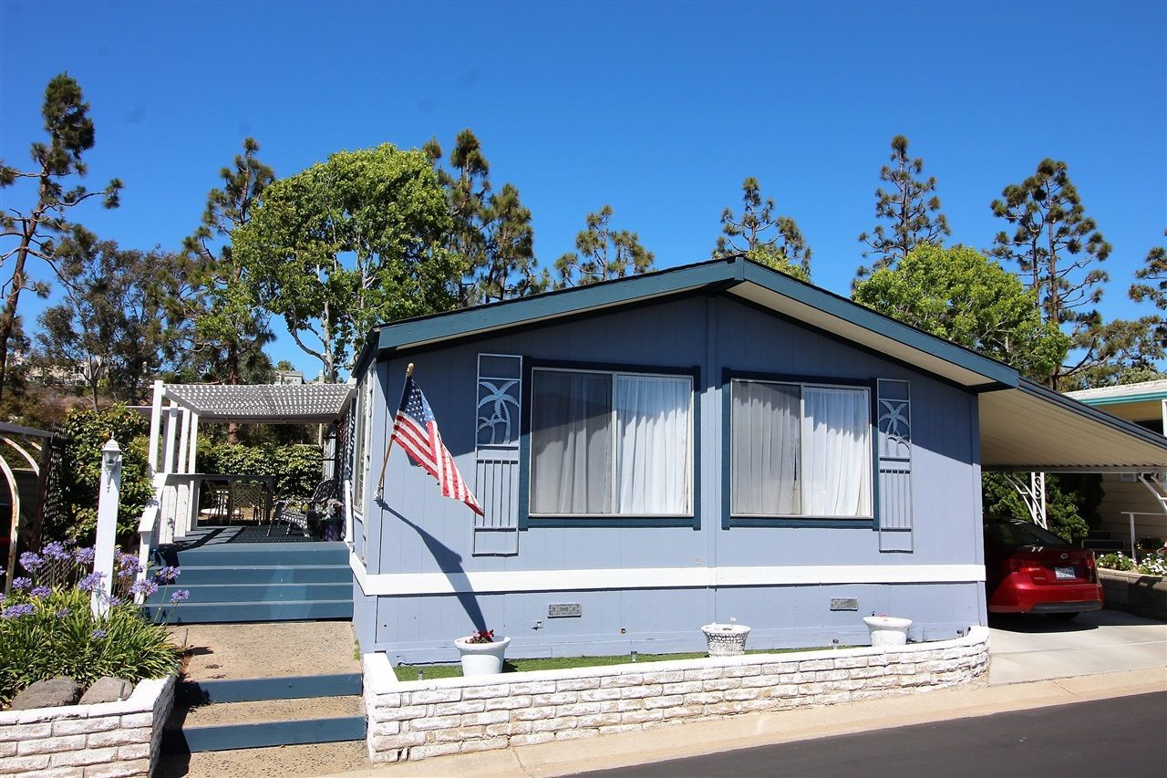 Main Photo: CARLSBAD WEST Manufactured Home for sale : 2 bedrooms : 7322 San Bartolo in Carlsbad