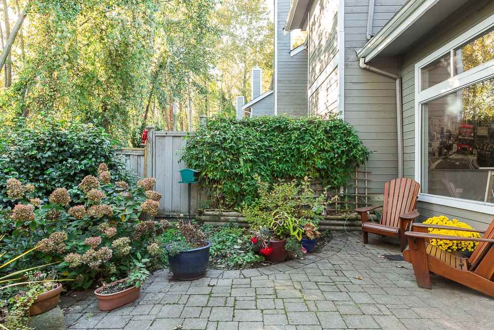 """Main Photo: 3428 WEYMOOR Place in Vancouver: Champlain Heights Townhouse for sale in """"MOORPARK"""" (Vancouver East)  : MLS®# R2116111"""