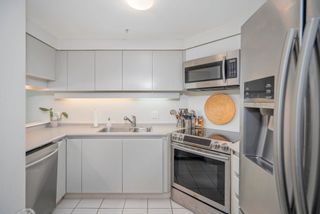 """Photo 14: 1903 1238 MELVILLE Street in Vancouver: Coal Harbour Condo for sale in """"Pointe Claire"""" (Vancouver West)  : MLS®# R2623127"""