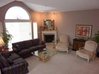 """Photo 2:  in Richmond: Brighouse South Condo for sale in """"THE EMPRESS"""" : MLS®# V930806"""