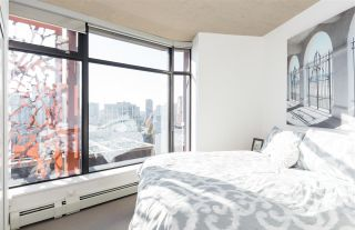 """Photo 12: 2106 128 W CORDOVA Street in Vancouver: Downtown VW Condo for sale in """"WOODWARDS W43"""" (Vancouver West)  : MLS®# R2222089"""