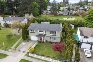 Photo 1: 7678 East Saanich Rd in : CS Saanichton House for sale (Central Saanich)  : MLS®# 882854