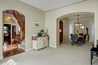 Photo 3: 30 Simcrest Manor SW in Calgary: Signal Hill Detached for sale : MLS®# A1146154