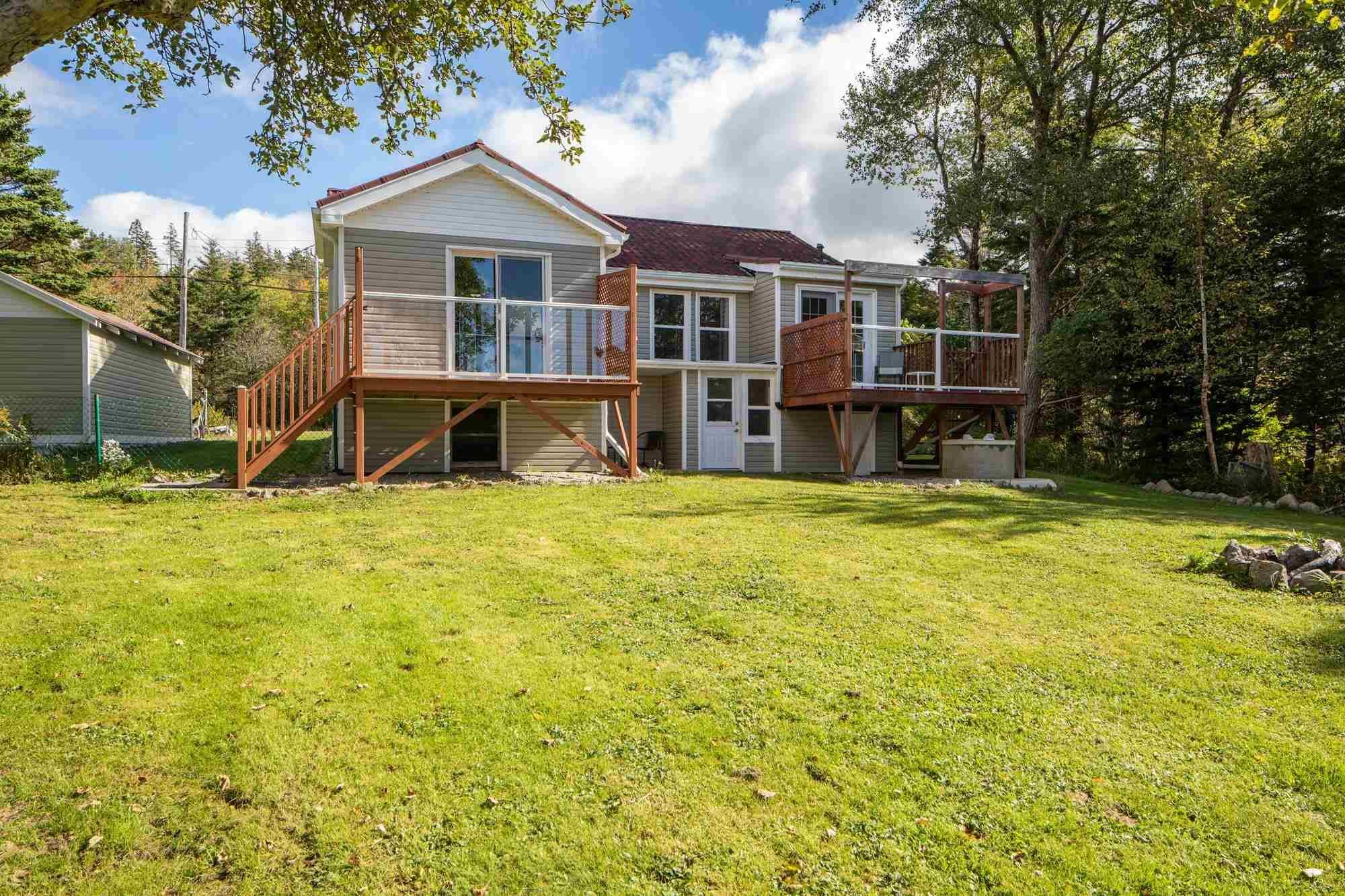 Main Photo: 7496 St. Margaret's Bay Road in Boutiliers Point: 40-Timberlea, Prospect, St. Margaret`S Bay Residential for sale (Halifax-Dartmouth)  : MLS®# 202125751