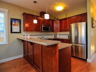 Photo 7: 12 2112 CUMBERLAND ROAD in COURTENAY: CV Courtenay City Row/Townhouse for sale (Comox Valley)  : MLS®# 781680