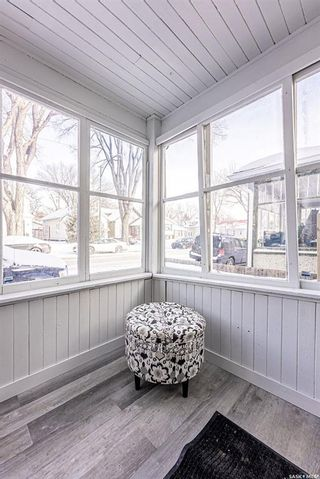 Photo 3: 317 25th Street West in Saskatoon: Caswell Hill Residential for sale : MLS®# SK841178