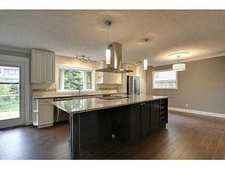 Photo 2:  in Calgary: 2 Storey Split for sale : MLS®# C3571872