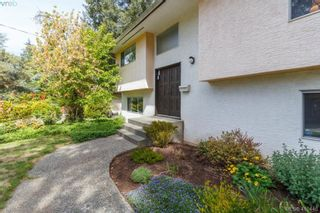 Photo 2: 618 Goldie Ave in VICTORIA: La Thetis Heights House for sale (Langford)  : MLS®# 813665
