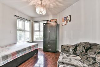 """Photo 2: 31 7330 122 Street in Surrey: West Newton Townhouse for sale in """"STRAWBERRY HILL ESTATES"""" : MLS®# R2267551"""