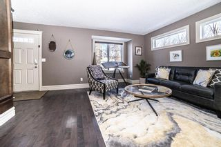 Photo 3: 721 23 Avenue NW in Calgary: Mount Pleasant Semi Detached for sale : MLS®# A1072091
