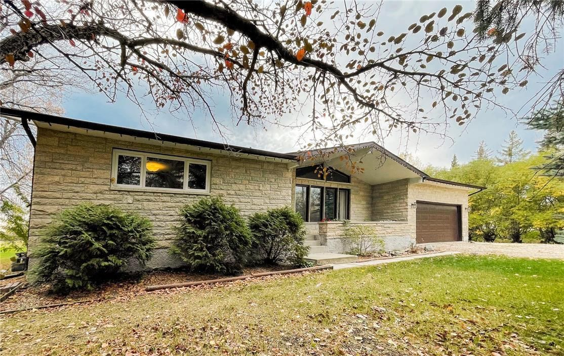 Main Photo: 160 HAY Avenue in St Andrews: House for sale : MLS®# 202125038