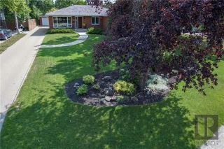 Photo 1: 35 Jaymorr Drive in Winnipeg: Charleswood Residential for sale (1F)  : MLS®# 1822836