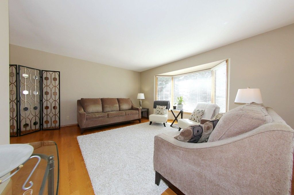 Photo 4: Photos: 123 Hunterspoint Road in Winnipeg: Charleswood Single Family Detached for sale (1G)  : MLS®# 1707500