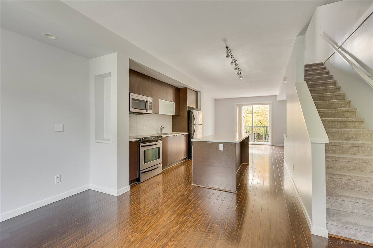 """Photo 11: Photos: 39 101 FRASER Street in Port Moody: Port Moody Centre Townhouse for sale in """"CORBEAU"""" : MLS®# R2410507"""
