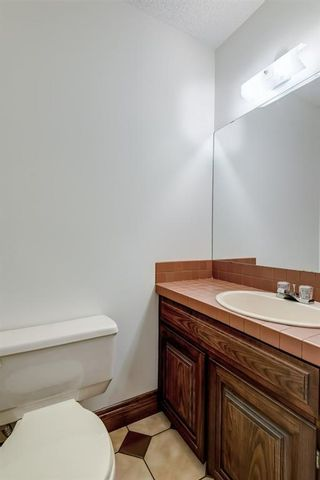 Photo 43: 331 Coach Light Bay SW in Calgary: Coach Hill Detached for sale : MLS®# A1132031