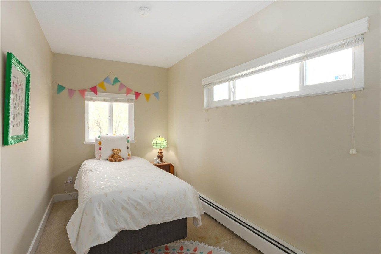 Photo 12: Photos: 325 W KINGS Road in North Vancouver: Upper Lonsdale House for sale : MLS®# R2443642