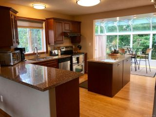 Photo 3: 2448 E 9TH E STREET in COURTENAY: CV Courtenay East House for sale (Comox Valley)  : MLS®# 789733