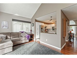 """Photo 10: 147 4001 OLD CLAYBURN Road in Abbotsford: Abbotsford East Townhouse for sale in """"CEDAR SPRINGS"""" : MLS®# R2555932"""
