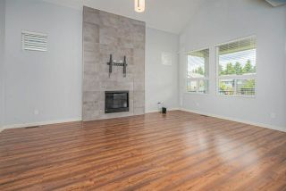 Photo 2: 27581 27A Avenue in Langley: Aldergrove Langley House for sale : MLS®# R2586772