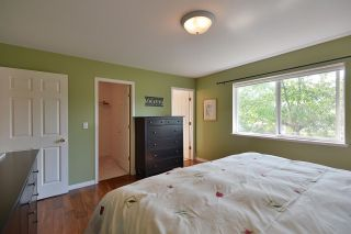 """Photo 14: 811 AURORA Way in Gibsons: Gibsons & Area House for sale in """"Upper Gibsons"""" (Sunshine Coast)  : MLS®# R2497143"""