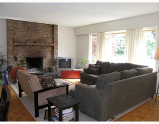 Photo 3: 41753 DOGWOOD Place in Squamish: Garibaldi Estates House for sale : MLS®# V719001