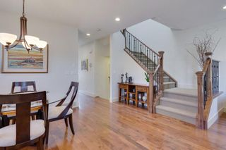 Photo 3: 729 23 Avenue NW in Calgary: Mount Pleasant Semi Detached for sale : MLS®# A1031696