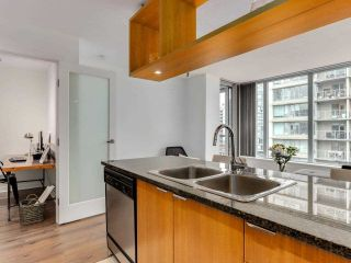 """Photo 6: 1001 1010 RICHARDS Street in Vancouver: Yaletown Condo for sale in """"THE GALLERY"""" (Vancouver West)  : MLS®# R2584548"""