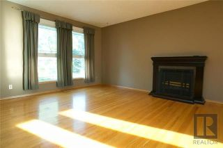 Photo 3: 174 James Carleton Drive in Winnipeg: Maples Residential for sale (4H)  : MLS®# 1820048