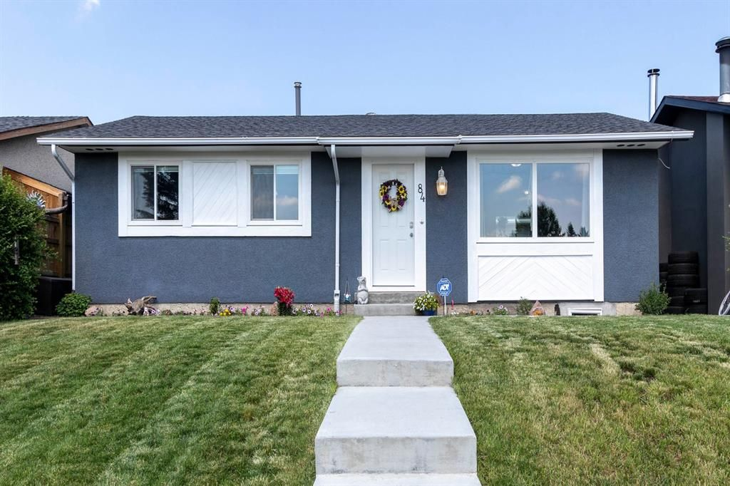 Welcome in! Newer concrete steps and walkway to rear yard~