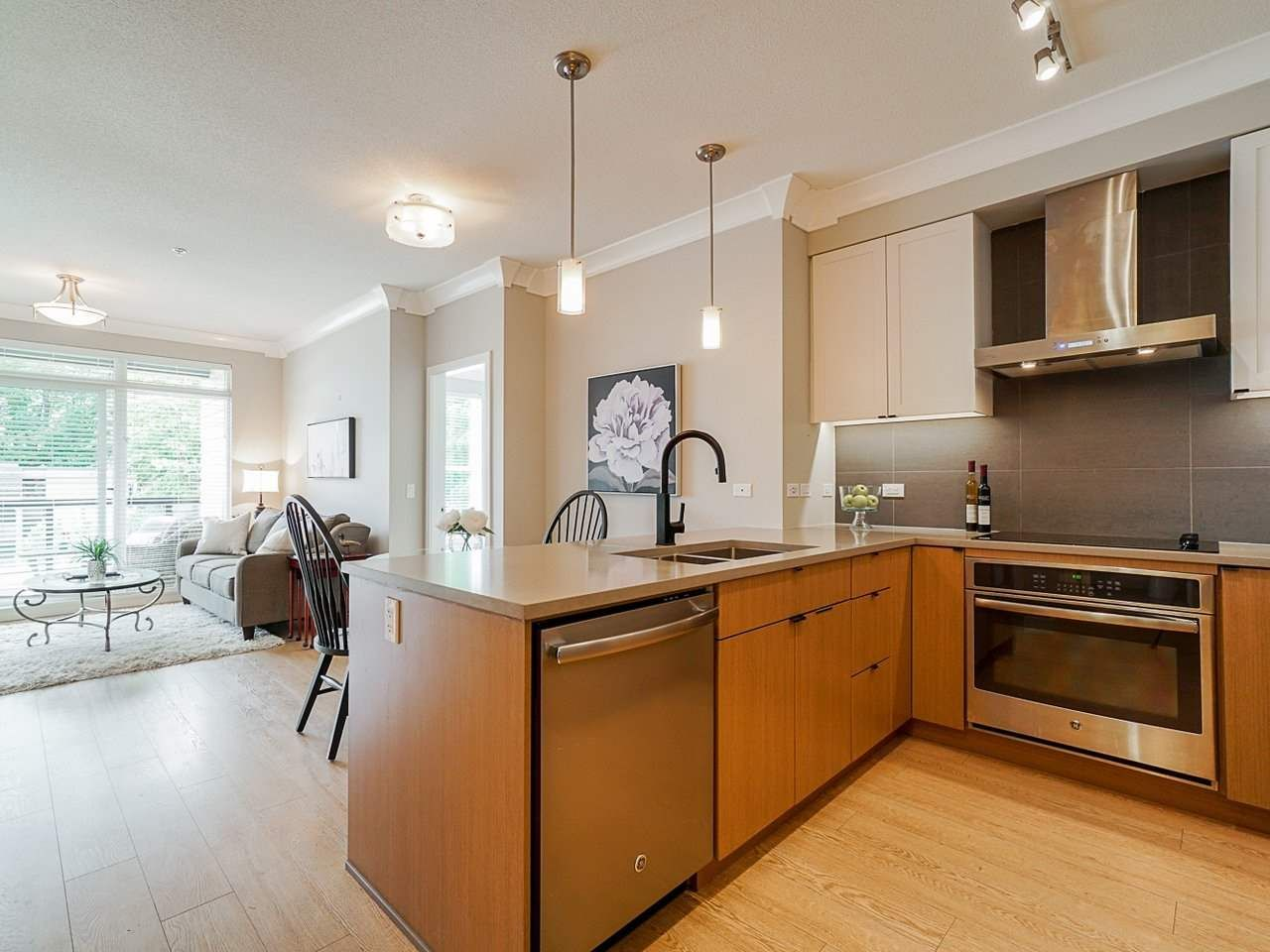 "Photo 13: Photos: 302 3205 MOUNTAIN Highway in North Vancouver: Lynn Valley Condo for sale in ""Mill House"" : MLS®# R2464769"